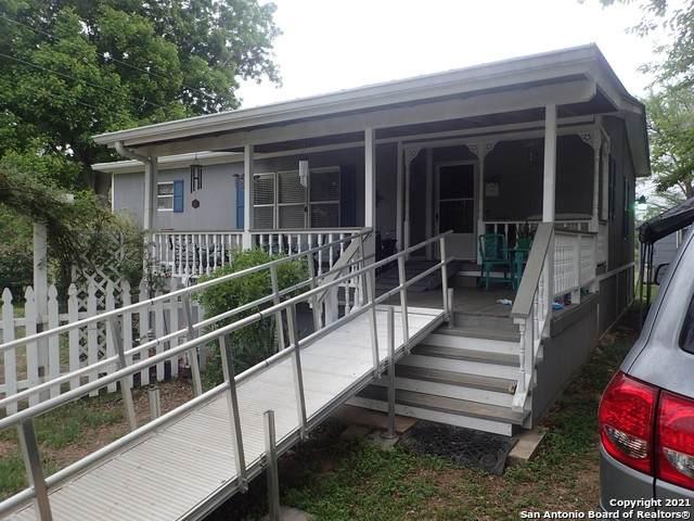 1590 Alamo Beach Rd, Pipe Creek, TX 78063 (MLS #1526184) :: Vivid Realty