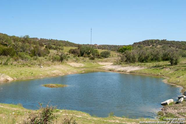 1249 Thompson Dr, Kerrville, TX 78028 (MLS #1526245) :: The Castillo Group