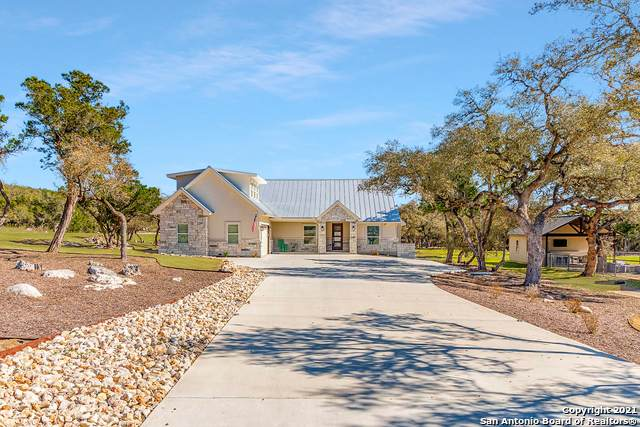 5692 Dry Comal Dr, New Braunfels, TX 78132 (MLS #1526316) :: Keller Williams Heritage