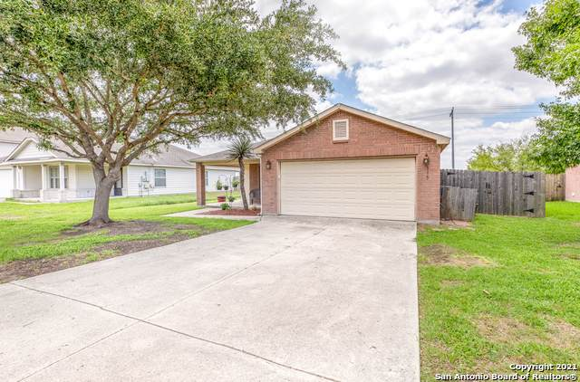 113 Weeping Willow, Cibolo, TX 78108 (#1526341) :: The Perry Henderson Group at Berkshire Hathaway Texas Realty