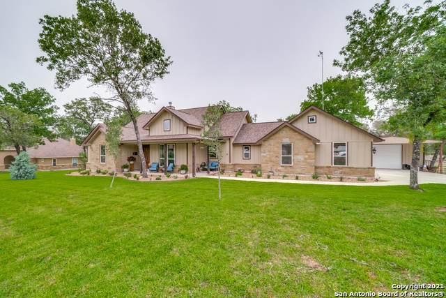289 Cibolo Ridge Dr, La Vernia, TX 78121 (MLS #1526348) :: Keller Williams Heritage