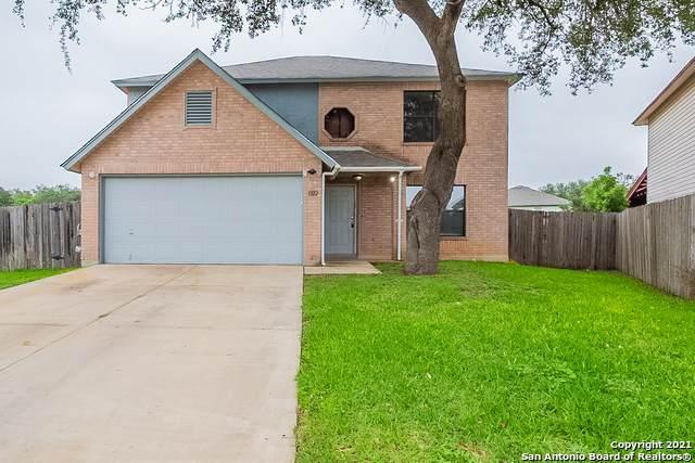 1322 Crossing Oaks, San Antonio, TX 78253 (MLS #1526353) :: Neal & Neal Team