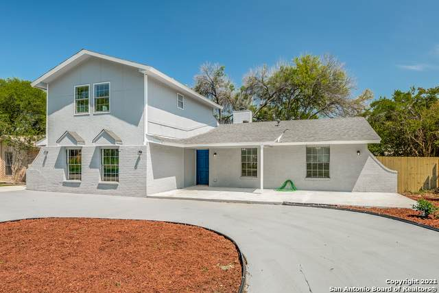 707 Dallas St, New Braunfels, TX 78130 (#1526636) :: The Perry Henderson Group at Berkshire Hathaway Texas Realty