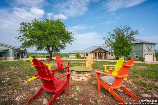195 Red Bird Loop, Center Point, TX 78010 (MLS #1526679) :: The Castillo Group