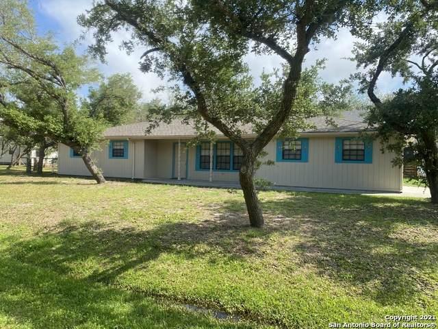 100 Lantana Ln, Rockport, TX 78382 (MLS #1526816) :: Keller Williams Heritage