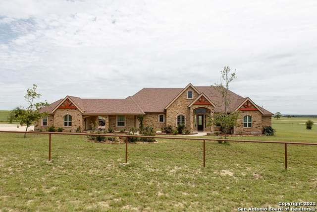 125 Triple Bend Dr, La Vernia, TX 78121 (MLS #1526943) :: NewHomePrograms.com