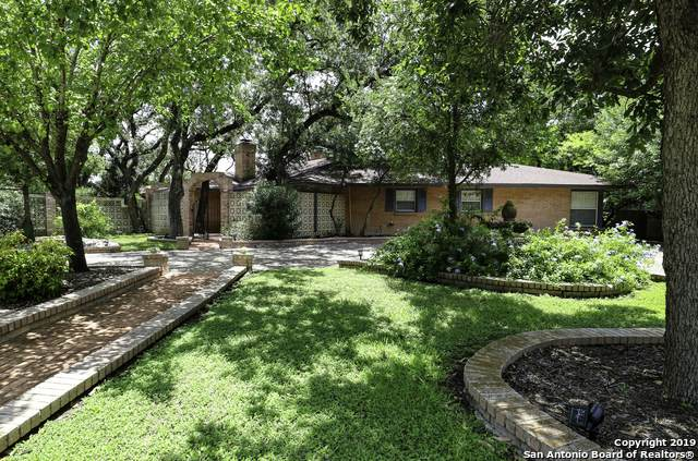 218 Prinz Dr, Castle Hills, TX 78213 (MLS #1526966) :: 2Halls Property Team | Berkshire Hathaway HomeServices PenFed Realty
