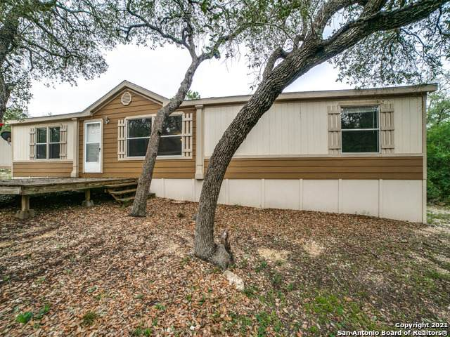 120 County Road 3826, San Antonio, TX 78253 (#1527078) :: The Perry Henderson Group at Berkshire Hathaway Texas Realty
