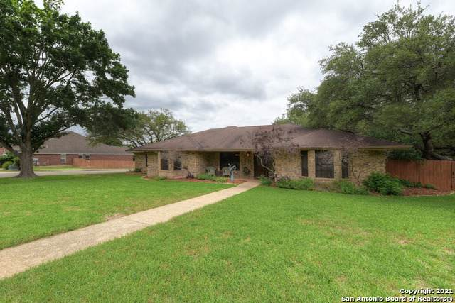 378 Crown Ridge, New Braunfels, TX 78132 (#1527079) :: The Perry Henderson Group at Berkshire Hathaway Texas Realty