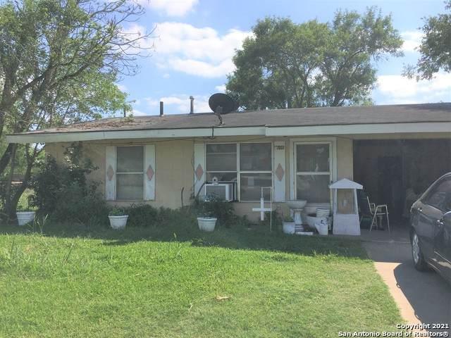 1608 Brown Ave, Jourdanton, TX 78026 (MLS #1527123) :: NewHomePrograms.com
