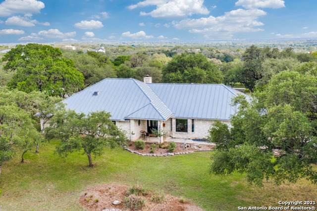 31630 Wild Oak Hill, Fair Oaks Ranch, TX 78015 (#1527175) :: The Perry Henderson Group at Berkshire Hathaway Texas Realty