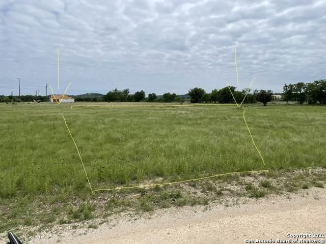 LOT 14 Tawny Oak Circle, Bandera, TX 78003 (#1527176) :: The Perry Henderson Group at Berkshire Hathaway Texas Realty