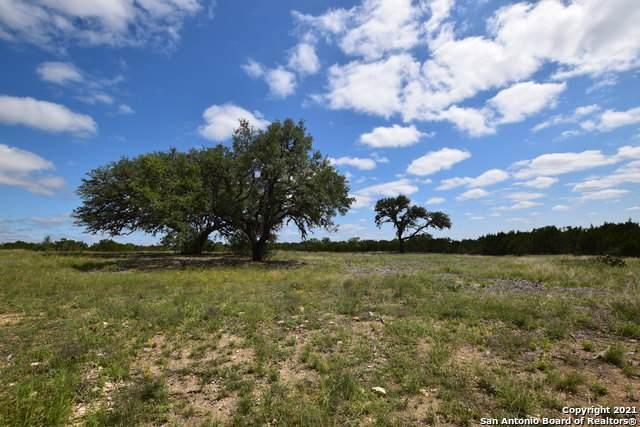 PARCEL 15 Rio Lantana, Pipe Creek, TX 78063 (#1527201) :: The Perry Henderson Group at Berkshire Hathaway Texas Realty