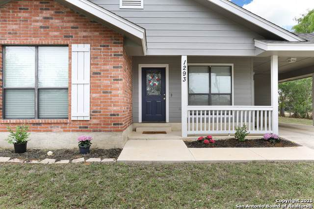 1293 A St, Floresville, TX 78114 (MLS #1527255) :: The Mullen Group | RE/MAX Access