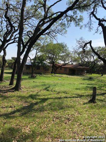 5720 Prue Rd, San Antonio, TX 78240 (#1527302) :: The Perry Henderson Group at Berkshire Hathaway Texas Realty
