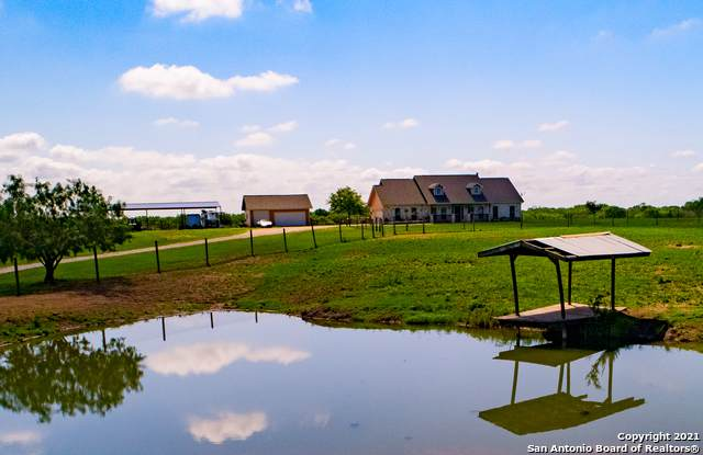 740 Zigmont Rd, Adkins, TX 78101 (MLS #1527381) :: 2Halls Property Team | Berkshire Hathaway HomeServices PenFed Realty