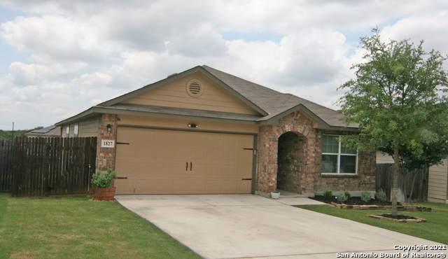 1827 Aspen Silver, San Antonio, TX 78245 (MLS #1527419) :: Green Residential