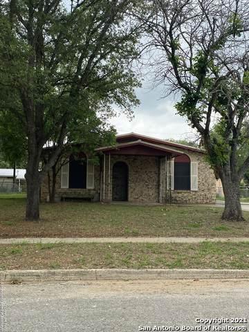501 Bette Dr, Pleasanton, TX 78064 (MLS #1527423) :: The Castillo Group