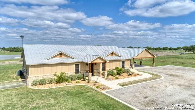 305 Miles Rd, Pleasanton, TX 78064 (MLS #1527458) :: The Real Estate Jesus Team