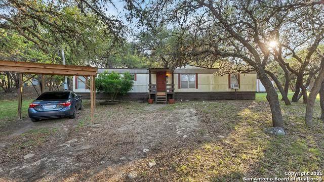623 Royal Oak Dr, Canyon Lake, TX 78133 (MLS #1527511) :: Bexar Team