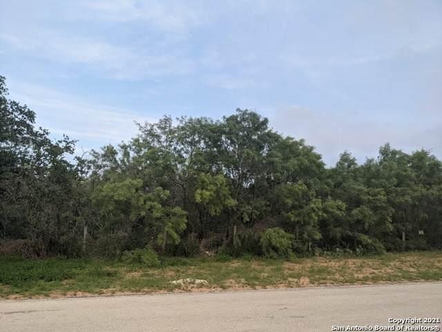 1212 Luckey Rd, Lytle, TX 78052 (MLS #1527551) :: The Castillo Group