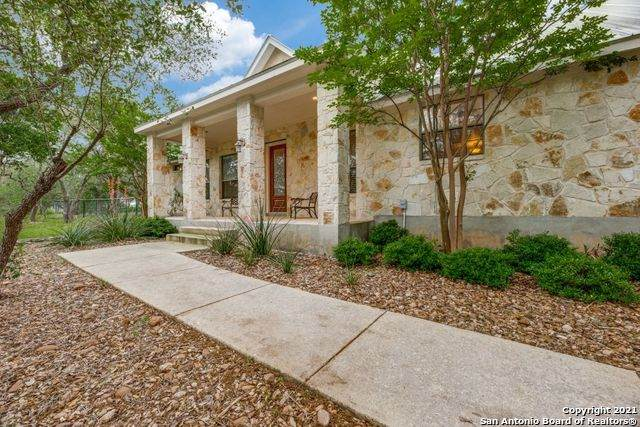 1947 Guadalupe Bend, Boerne, TX 78006 (MLS #1527603) :: The Castillo Group