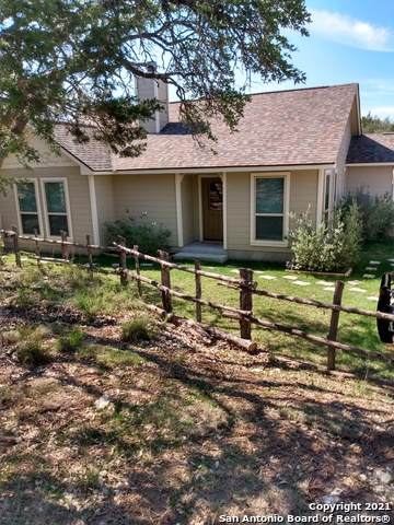 195 Deer Oaks Dr, Lakehills, TX 78063 (MLS #1527677) :: The Castillo Group