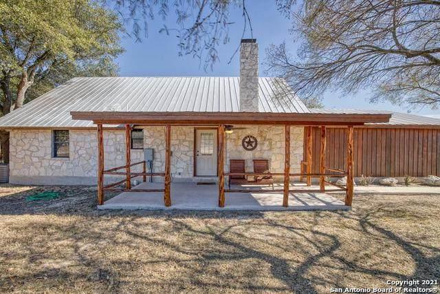 8 N Tomahawk, ConCan, TX 78838 (MLS #1531031) :: The Castillo Group