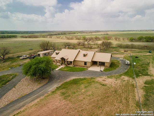 3538 County Road 305, Knippa, TX 78870 (MLS #1531313) :: Neal & Neal Team