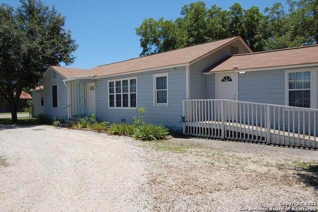 1301 20th Street, Hondo, TX 78861 (MLS #1531367) :: Concierge Realty of SA