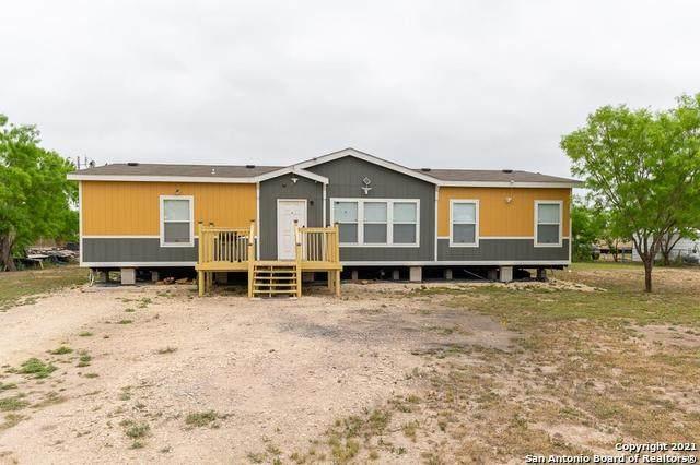 3213 Windmill Rd, Uvalde, TX 78801 (MLS #1531370) :: Keller Williams Heritage