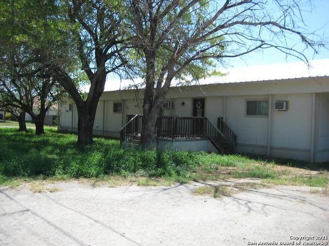 303 N 19th, Carrizo Springs, TX 78834 (MLS #1531453) :: Exquisite Properties, LLC