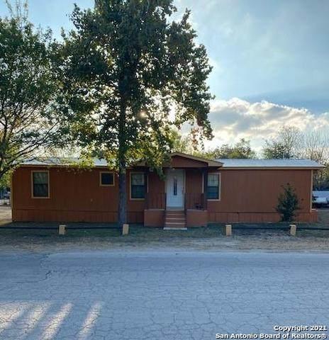 1200 Reynosa, Uvalde, TX 78801 (MLS #1531626) :: Countdown Realty Team