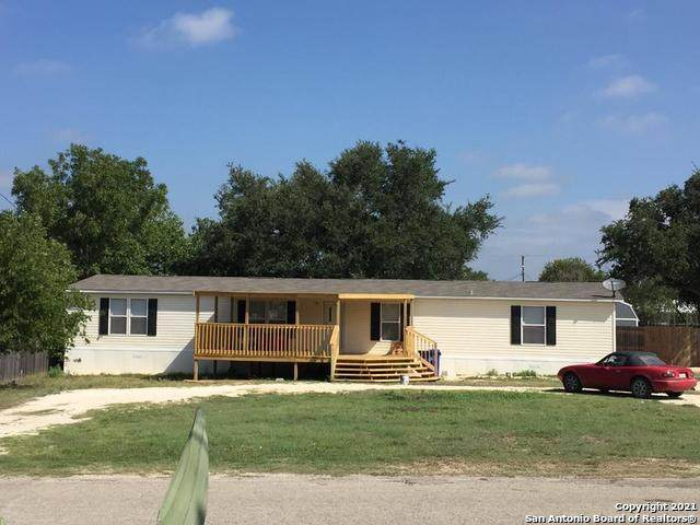 408 E Third Street, Camp Wood, TX 78833 (MLS #1531752) :: Real Estate by Design