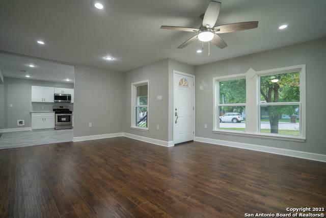 206 Concord Pl, Balcones Heights, TX 78201 (MLS #1533031) :: BHGRE HomeCity San Antonio