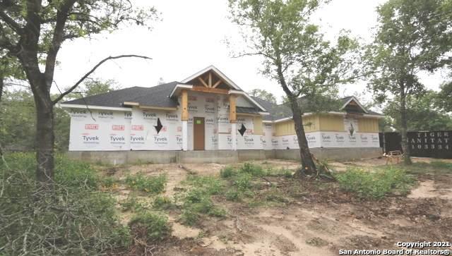 246 Wood Valley Dr, Adkins, TX 78101 (MLS #1533049) :: The Real Estate Jesus Team