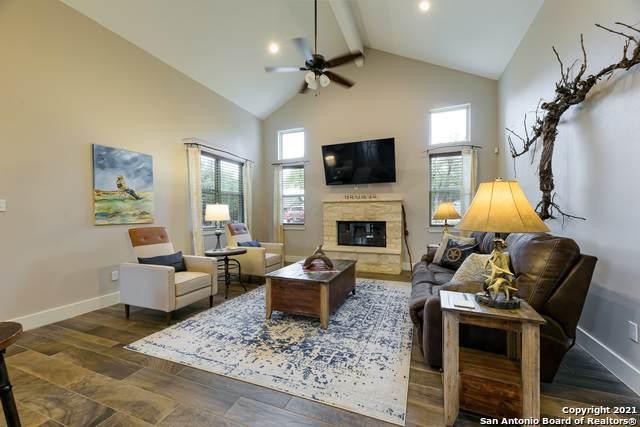 1465 Lasso Loop, Canyon Lake, TX 78133 (MLS #1533117) :: The Real Estate Jesus Team