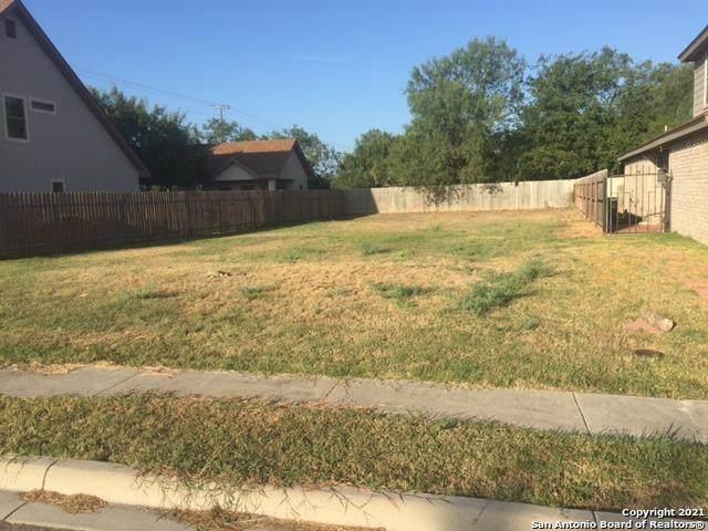 3 Rio Seco, Uvalde, TX 78801 (MLS #1533251) :: BHGRE HomeCity San Antonio