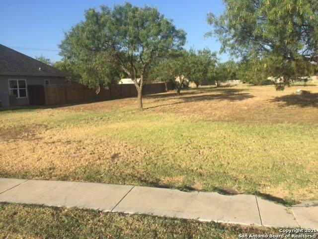 22 Rio Seco, Uvalde, TX 78801 (MLS #1533253) :: BHGRE HomeCity San Antonio