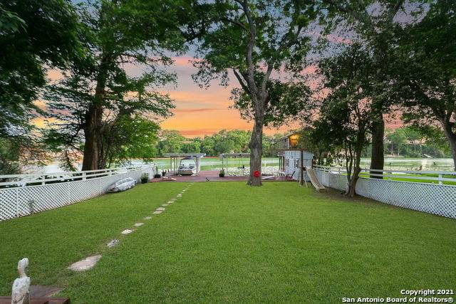 426 Isle Of View Dr, McQueeney, TX 78123 (MLS #1533314) :: 2Halls Property Team | Berkshire Hathaway HomeServices PenFed Realty