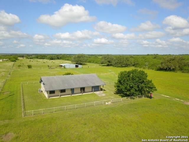 1786 State Highway 119, Stockdale, TX 78160 (MLS #1533388) :: Neal & Neal Team