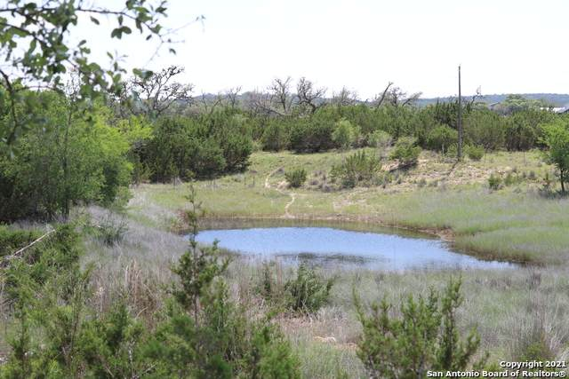 651 Happy Hollow Dr, Bandera, TX 78003 (MLS #1533634) :: 2Halls Property Team | Berkshire Hathaway HomeServices PenFed Realty