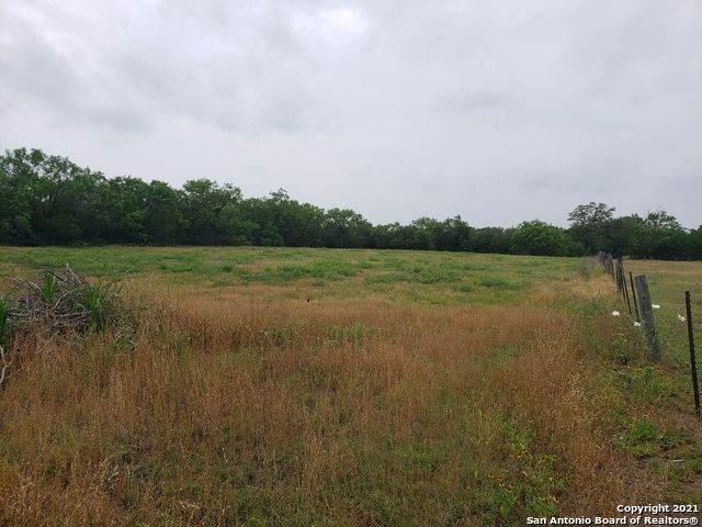1571 State Highway 123 N, Stockdale, TX 78160 (MLS #1533663) :: Beth Ann Falcon Real Estate