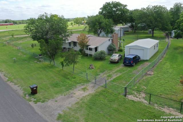 10960 Kinney Rd, Atascosa, TX 78002 (MLS #1533782) :: Beth Ann Falcon Real Estate