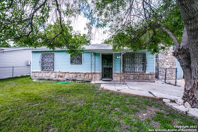 150 Bayville Dr, San Antonio, TX 78226 (MLS #1533927) :: Real Estate by Design