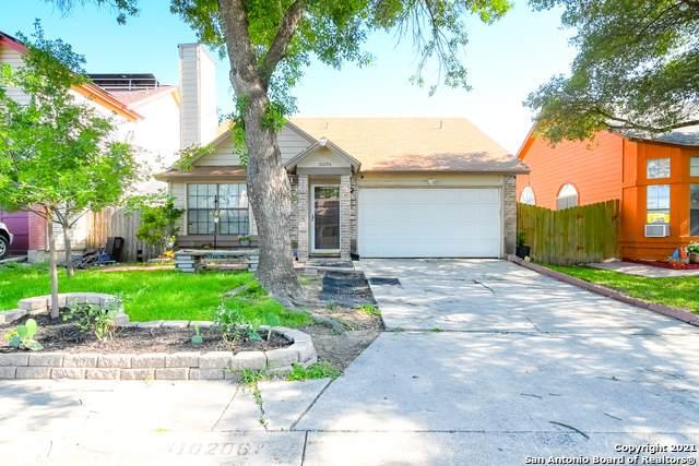 10206 Apricot Field Dr, San Antonio, TX 78245 (MLS #1534023) :: Beth Ann Falcon Real Estate
