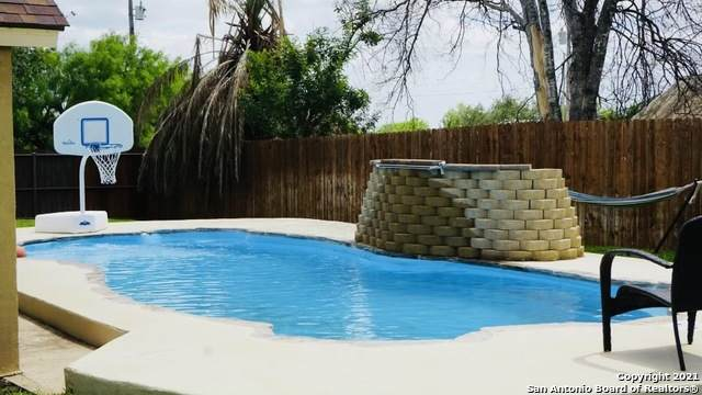 401 N Cherokee Ave, Cotulla, TX 78014 (MLS #1534202) :: The Lopez Group