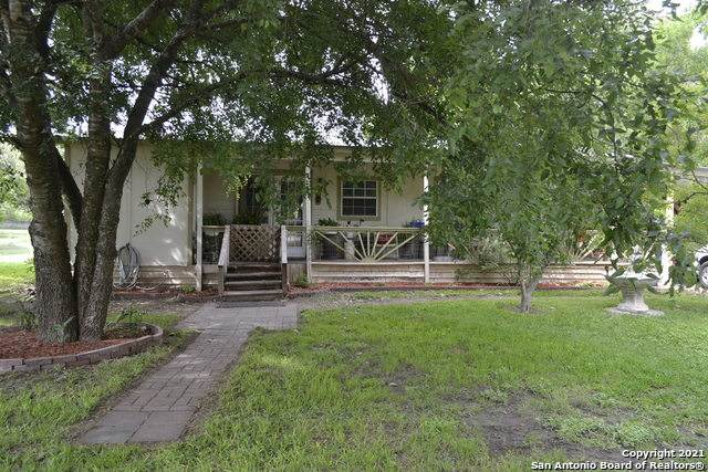 8700 Whartons Dock Rd, Bandera, TX 78003 (MLS #1534303) :: Alexis Weigand Real Estate Group