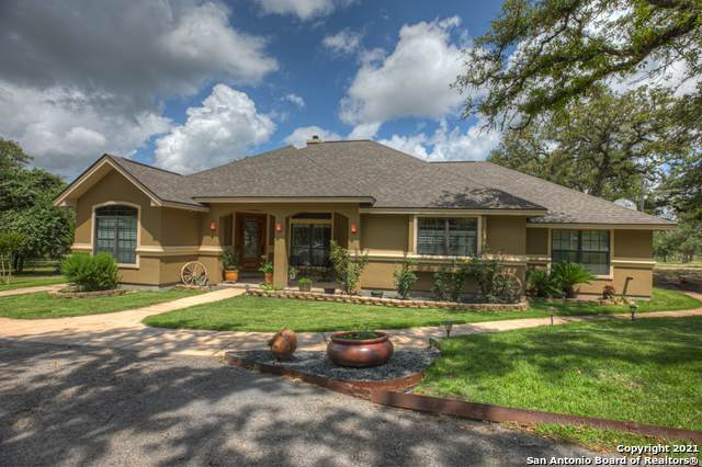 853 Paddy Rd, Floresville, TX 78114 (MLS #1534692) :: The Mullen Group | RE/MAX Access