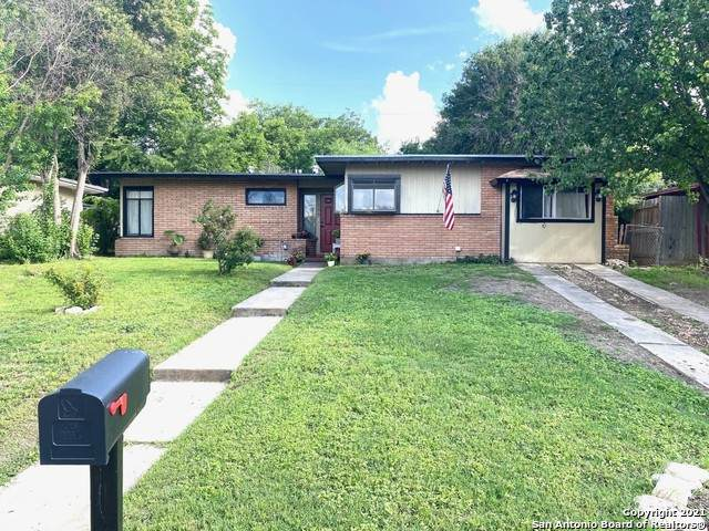 146 Cyril Dr, San Antonio, TX 78218 (MLS #1534831) :: The Glover Homes & Land Group